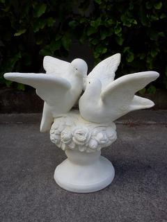 Kissing doves $110