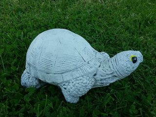 Medium turtle $20